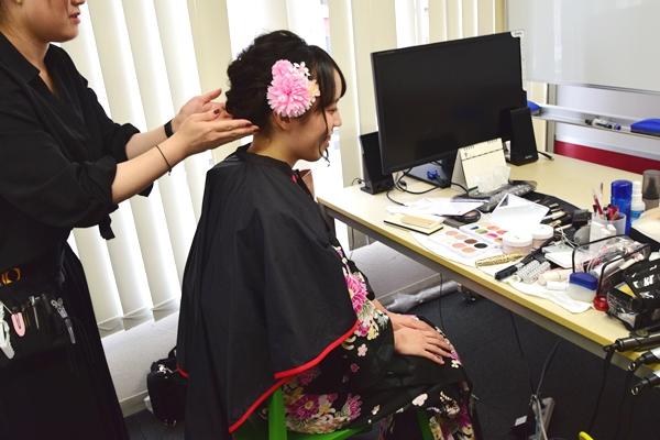 花屋かな色の髪飾りにチェンジ