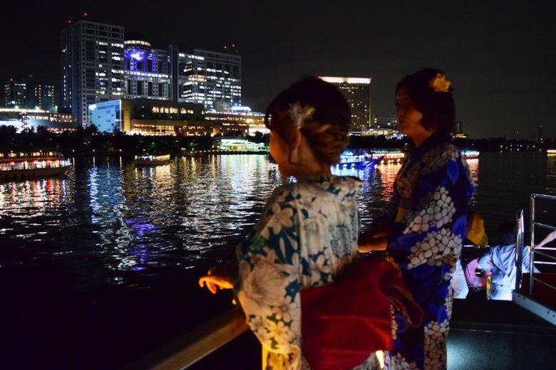 品川屋形船「大江戸」の展望デッキからお台場の夜景を望む
