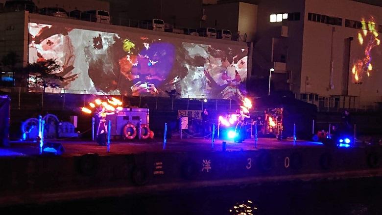 雷光炎舞「かぐづち-KAGUZUCHI-」のパフォーマンス